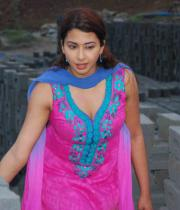 gayatri-photo-in-dorakadu-movie-11
