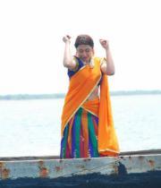 gayatri-photo-in-dorakadu-movie-12