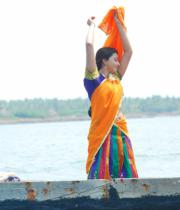gayatri-photo-in-dorakadu-movie-13