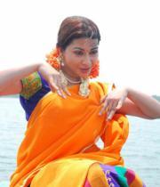 gayatri-photo-in-dorakadu-movie-14