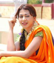 gayatri-photo-in-dorakadu-movie-15