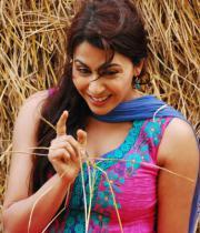 gayatri-photo-in-dorakadu-movie-3