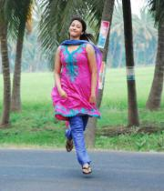 gayatri-photo-in-dorakadu-movie-9