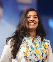 geetha-madhuri-performance-at-thadaka-audio-5