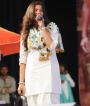 geetha-madhuri-performance-at-thadaka-audio-7
