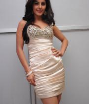 gjg-actress-isha-talwar-hot-stills-02
