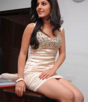 gjg-actress-isha-talwar-hot-stills-06