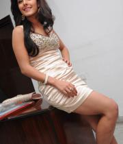 gjg-actress-isha-talwar-hot-stills-07