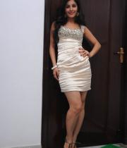 gjg-actress-isha-talwar-hot-stills-16