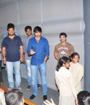 gopichand-tapsee-at-sahasam-show-to-school-childrens-1