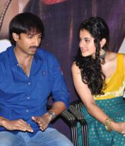 gopichand-tapsee-at-sahasam-show-to-school-childrens-10