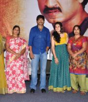 gopichand-tapsee-at-sahasam-show-to-school-childrens-18
