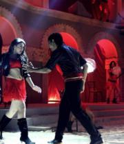 hanika-hot-dance-photos-in-theeya-velai-seiyyanum-kumaru-tamil-movie-9