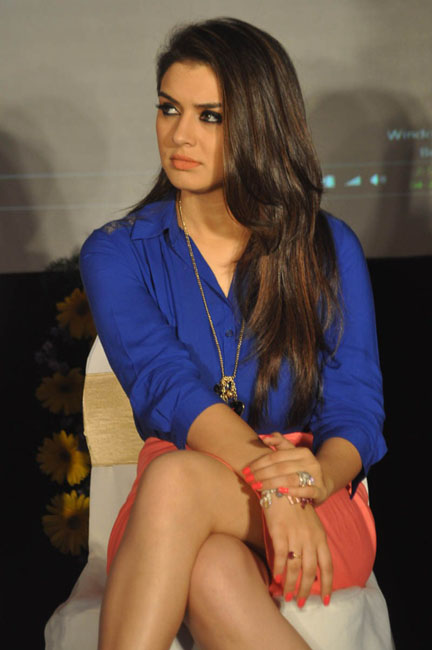 hansika-hot-thighs-photos-02