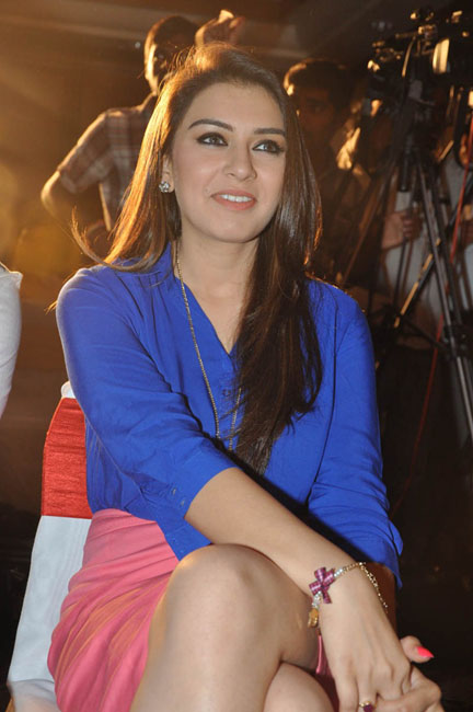 hansika-hot-thighs-photos-08
