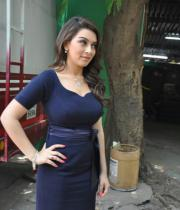 hansika-hot-stills-in-dark-blue-dress-05