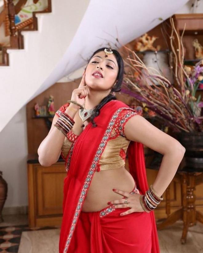 hari-priya-hot-photos-in-galata-06