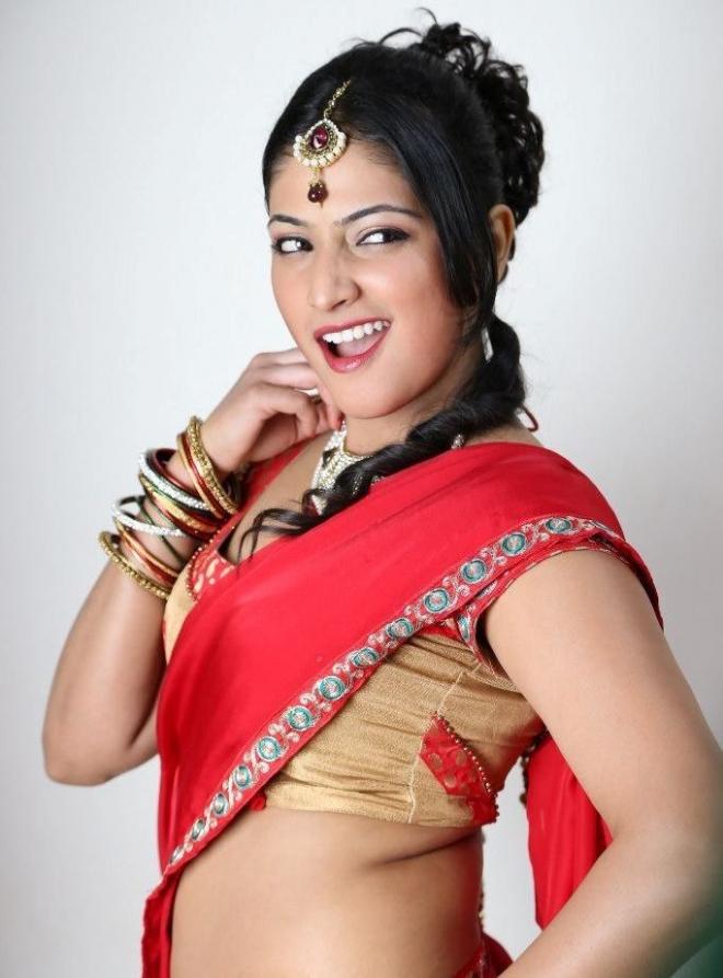 hari-priya-hot-photos-in-galata-11