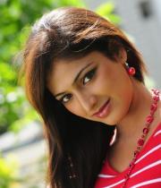 hari-priya-hot-thighs-show-photos-04