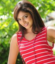 hari-priya-hot-thighs-show-photos-07