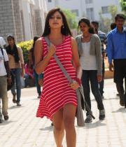 hari-priya-hot-thighs-show-photos-11