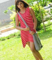 hari-priya-hot-thighs-show-photos-16