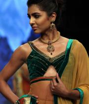 hot-celebs-at-international-jewellery-week-photos-119