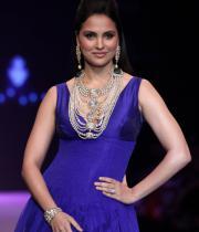 hot-celebs-at-international-jewellery-week-photos-1396