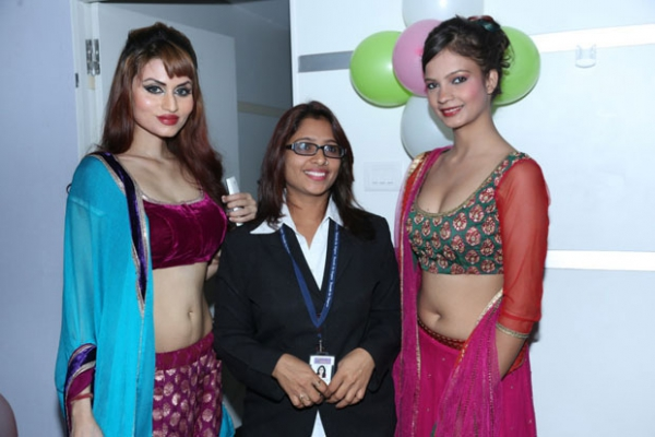 models-hot-photos-at-green-trends-108th-salon-launch-2
