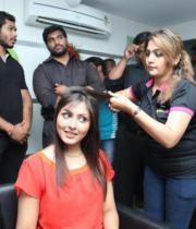 madhu-shalini-launches-green-trends-108th-salon-photos-27