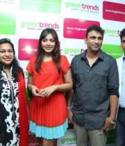 madhu-shalini-launches-green-trends-108th-salon-photos-28