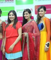 madhu-shalini-launches-green-trends-108th-salon-photos-30