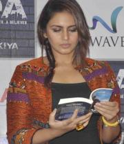 huma-qureshi-at-dada-book-launch-photos-13