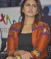 huma-qureshi-at-dada-book-launch-photos-4