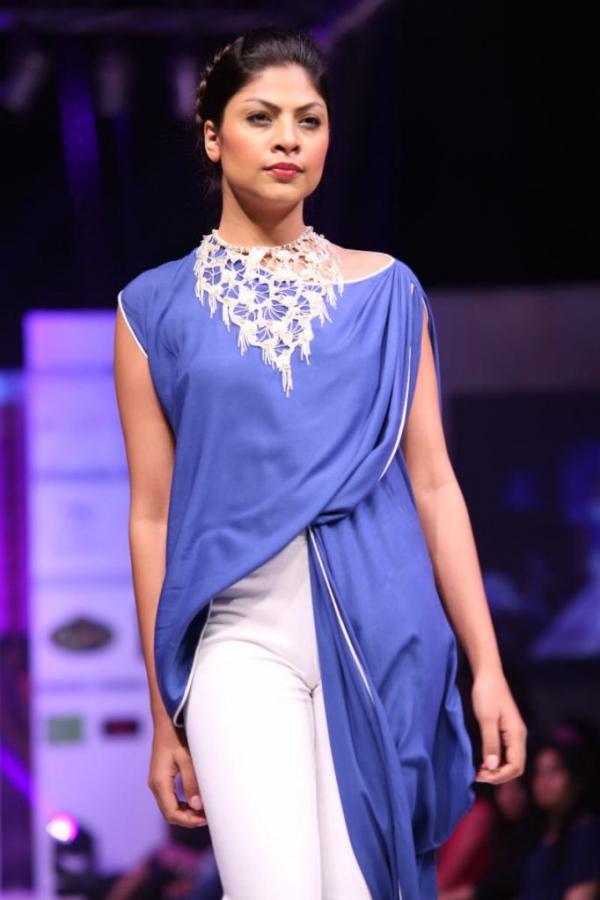 hyderabad-fashion-week-2013-day1-gallery-104