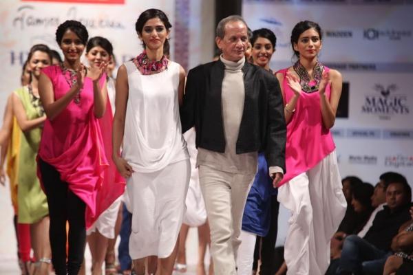 hyderabad-fashion-week-2013-day1-gallery-114