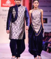 hyderabad-fashion-week-2013-day1-gallery-138