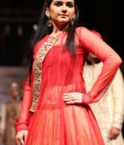 hyderabad-fashion-week-2013-day1-gallery-161