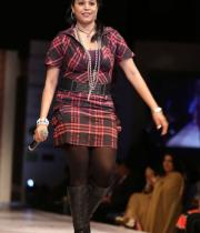 hyderabad-fashion-week-2013-day1-gallery-52