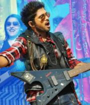 iddarammayilatho-movie-new-stills-05
