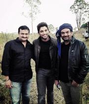 allu-arjun-iddarammayilatho-movie-working-photostills-latest-03_s_509