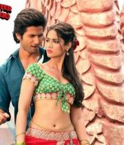 ileana-dcruz-hot-photo-stills-phata-poster-nikla-hero-hindi-movie-11