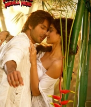 ileana-dcruz-hot-photo-stills-phata-poster-nikla-hero-hindi-movie-9