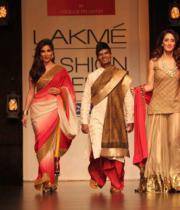 ileana-hot-images-at-lakme-fashion-week-day-4-12