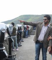 iruvar-ullam-movie-stills-16