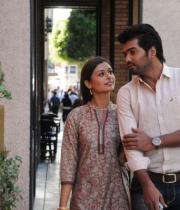 iruvar-ullam-movie-stills-29