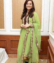isha-chawla-at-santosham-awards-press-meet-14