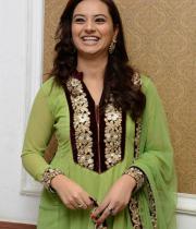 isha-chawla-at-santosham-awards-press-meet-17