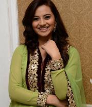 isha-chawla-at-santosham-awards-press-meet-18