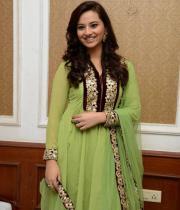 isha-chawla-at-santosham-awards-press-meet-22